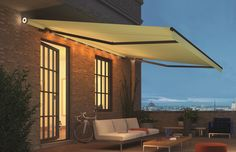 Ideal for those dark autumn evenings, the Weinor Livona awning with built-in LED lighting.