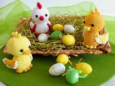 """""""Tweet, tweet, tweet"""" – Oh look who's sitting in my easter decoration! Did these little dickeys hatch from the easter eggs? Well, they sure tousled the easter nest quite a bit! But aren't they just adorable?! Can you find a place in your spring"""
