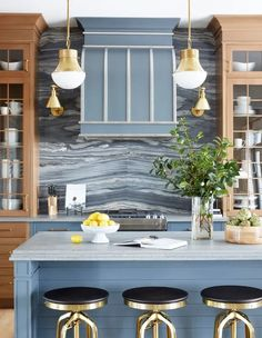 2021 Design Forecast: 16 Top Kitchen Trends Foyers, Kitchen Colors, Kitchen Decor, Kitchen Tops, Kitchen Interior, Architecture Design, Kitchen Trends, Kitchen Designs, Kitchen Ideas