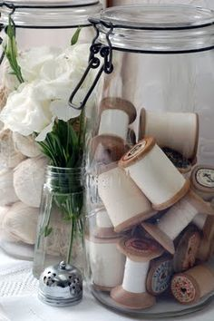 Cotton reels in jars - colour coordinate bobbins to suit room or a rainbow of colours Cotton Reel Craft, Have A Lovely Weekend, Wooden Spools, Sewing Studio, Craft Shop, Sewing Rooms, Haberdashery, Jar, Diy Crafts