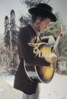 Bob Dylan and Gibson Jumbo Music Love, Music Is Life, Rock Music, Bob Dylan, Blues, Blowin' In The Wind, Joan Baez, New Wave, Zimmerman