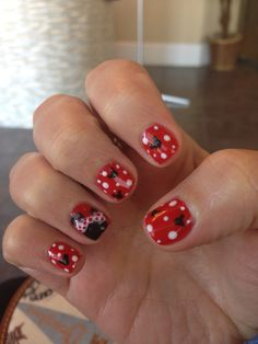 mickeyminnie mouse - Disney Christmas Nails