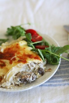 Cheesy Mushroom Lasagna ---- Without tomato. Also: http://johnsmags.gotdns.com/johnsmags/mags/CI/82/CI-82.html#Wild_Mushroom_Lasagna. ---- #noodle