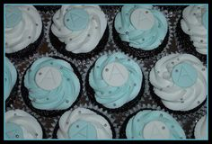 Baptism Cupcakes~ close up. Christening Cupcakes, Religious Cakes, Home Baking, Cupcake Cookies, Communion, Babyshower, Holi, Color Schemes, Cake Recipes