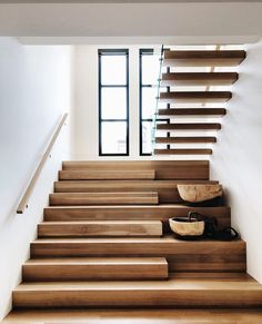 Home Remodel Ideas Stairs Ideas home Ideas Remodel Home Stairs Design, Interior Stairs, Modern House Design, Home Interior Design, Modern Houses, Stairs Architecture, Interior Architecture, Flur Design, House Stairs