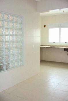Bloco de Vidro para Cozinha - O bloco ou tijolo de vidro pode ser uma ótima opção para a decoração tanto pro interior quanto para o exterior. Mais informação pelo 214 266 310 ou  odem.geral@odem.pt