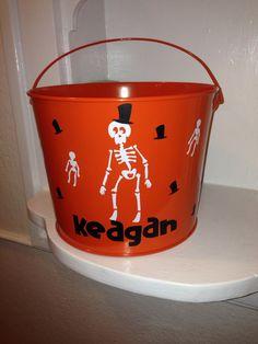 Skeleton Halloween bucket