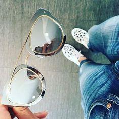Já tem o seu Dior Chromic?! Vem correndo pra Óticas Wanny que temos três cores para voce escolher! #oticaswanny #diorchromic #dior #oticaonline
