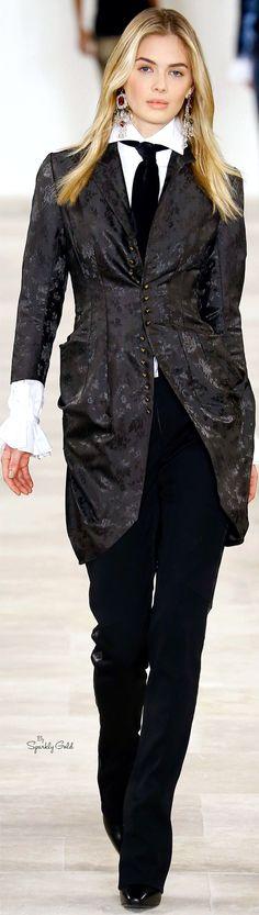 Ralph Lauren Fall 2016 RTW Timeless Fashion, Love Fashion, Runway Fashion, High Fashion, Fashion Show, Fashion Design, Women's Dresses, Suit Up, Ralph Lauren Style