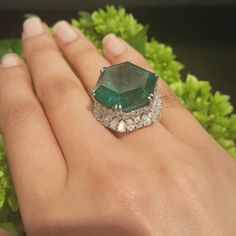 What will the next chapter be for the legendary Stotesbury Emerald? It hits the Magnificent Jewels auction block tomorrow in NYC… Emerald Jewelry, High Jewelry, Luxury Jewelry, Diamond Jewelry, Jewelry Rings, Jewellery, Emerald Rings, Emerald Diamond, Silver Jewelry