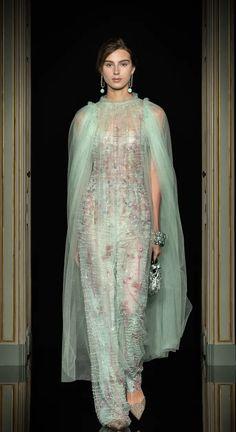 Italian Fashion Designers, Dress Me Up, Giorgio Armani, Gowns, Forever Green, Womens Fashion, Armani Prive, Street Styles, Clothes
