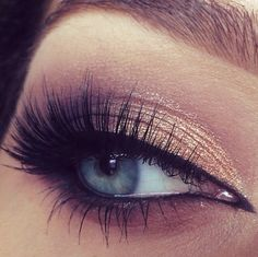 Love the shadow and lashes.