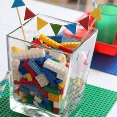 Fantastic Ideas for a Lego Party Fantastic Ideas for a Lego Party – Design Dazzle - Beliebt Decoration Lego Lego Movie Party, Lego Themed Party, Ninjago Party, Lego Ninjago, Lego Duplo, Lego City Birthday, Boy Birthday, Birthday Ideas, Birthday Games
