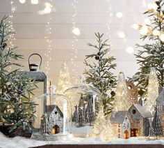 22 Charming Outdoor Christmas Tree Decorations You Must Try this Year - The Trending House Outdoor Christmas, Rustic Christmas, Christmas 2019, Christmas Home, White Christmas, Vintage Christmas, Christmas Holidays, Christmas Crafts, Christmas Mantles