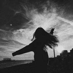 Silhouette Photography, Shadow Photography, Portrait Photography Poses, Tumblr Photography, Dreamy Photography, Night Aesthetic, Bad Girl Aesthetic, Aesthetic Photo, Aesthetic Pictures