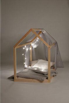 Ausgefallenes Kinderbett / fantastic bed for children, nursery made by kinderzimmerei via DaWanda.com