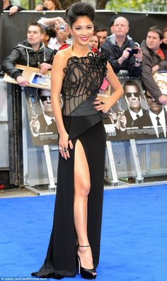 Glamourpuss: Nicole's dress also boasted a sheer corseted top