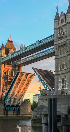 9 Hidden Spots You Need To Visit In… London! Europe Destinations, Places To Travel, Places To Visit, Magic Places, London Dreams, London Architecture, Gothic Architecture, Ancient Architecture, Tower Bridge London
