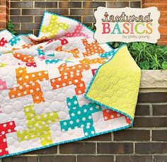 Houndstooth-Quilt by Patty Young Love the quilting Quilting Projects, Quilting Designs, Sewing Projects, Quilting Ideas, Sewing Ideas, Cute Quilts, Baby Quilts, Fabric Crafts, Sewing Crafts