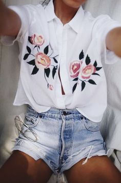 floral blouse + high waisted levis 501 shorts | summer outfit ideas | #outfits | cute outfits
