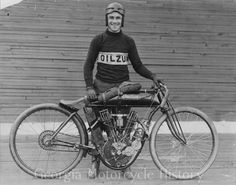 1914 'Millionaire' Morty Graves inside Atlanta Motordrome with direct drive Indian 8 valve