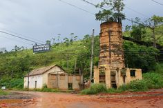 Old lime kiln in Cajamar (SP) demolished in 2013 (Sao Paulo, Brazil) Read full story (portuguese only):http://www.saopauloantiga.com.br/gat...