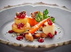 More gorgeous plating cuisine and crockery from @chefadam_1 @goodfellows_ltd @thecrossatkenilworth  Celeriac squash and all the vegetables!  #foodphotography #foodphotographer #foodphotography #London #gourmetartistry #gastroart #food #foodie #foodart #instadaily #theartofplating #instafood #instachef #chefslife #instagramhub #igers #truecooks #chefstalk #chefsroll #foodstarz #thestaffcanteen #grateplates #simplisticfood #jodihinds