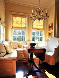 Small Dining Room w/ Custom Storage Bench --> http://www.hgtv.com/decorating/10-stylish-dining-room-storage-ideas/pictures/index.html?soc=pinterest