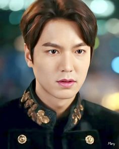 Photo shared by LEEMINHO KING on March 2020 tagging . Image mYou can find Korean actors and more on our website.Photo shared by LE. Lee Min Ho Kdrama, Lee Min Ho Photos, Good Looking Actors, Netflix, Choi Jin Hyuk, Kim Go Eun, Seo Joon, Kdrama Actors, Boys Over Flowers