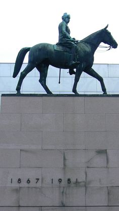Statue of Mannerheim, Helsinki, Finland * Visit Helsinki, Saunas, Arctic Circle, Baltic Sea, Amazing Adventures, Beautiful Buildings, Best Cities, Capital City, Homeland
