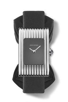 La montre Reflet smoking noeud papillon de Boucheron http://www.vogue.fr/joaillerie/le-bijou-du-jour/diaporama/la-montre-reflet-smoking-noeud-papillon-de-boucheron/20856