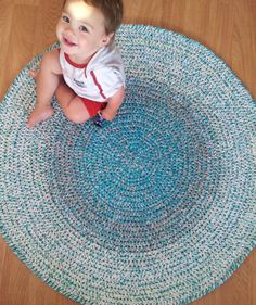 How to Crochet a Round Rug | Break out of that square box with this fun circular DIY rug!