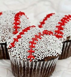 Baseball Cupcakes - I think this will be my next sports themed treat for Kevin!