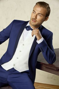 2017 New Style Groom Tuxedo Blue Groomsmen Shawl Lapel Wedding Dinner Suits  Best Man Bridegroom (Jacket+Pants+Tie+Vest) Price history. 83af9733a9e3