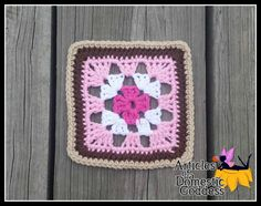 Free crochet pattern: Cosmopolitan 6 Inch Granny Square by Article of a Domestic Goddess