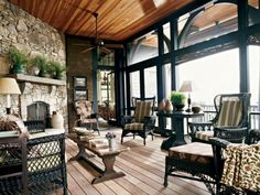 Wonderful screen porch!