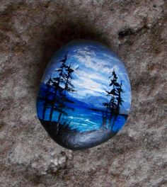 Front of blue rock rocks trees каменное искусство, галечное Pebble Painting, Love Painting, Pebble Art, Rock Painting Ideas Easy, Rock Painting Designs, Stone Crafts, Rock Crafts, Painted Rocks Kids, Painted Stones
