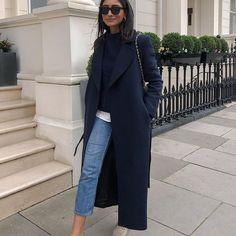 Hannah | COCOBEAUTEA (@cocobeautea) • Photos et vidéos Instagram Yves Saint Laurent, Diana, Virtuous Woman, Ootd Fashion, Vintage Looks, Foto E Video, Duster Coat, Street Style, Instagram
