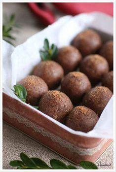 No bake Ginger Bites (Medjool Dates & almond flour) Pureed Food Recipes, Raw Vegan Recipes, Snack Recipes, Paleo, Vegan Baking, Healthy Baking, Bagan, Lchf, Vegan Christmas