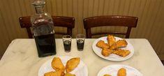Los mejores bares para el aperitivo en Madrid en el Picoteo del finde Casa Labra, Political Party, Spanish Food, Snacks, Canning, Breakfast, Temples, Pint Glass, Tapas Bar