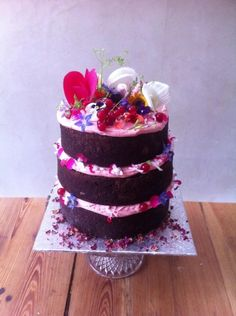 Here is a perfect example of Lily Vanilli's deliciously stunning work with chocolate and edible flowers.