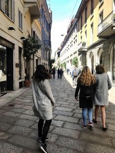 Just a casual walk in Milan #shopthelook #ShopStyle #SpringStyle #MyShopStyle #WeekendLook #TravelOutfit #OOTD