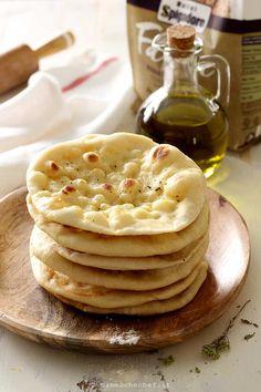 Pane Pita, Naan, Latte, Buffet, Food Porn, Food And Drink, Pizza, Breakfast, Breakfast Cafe
