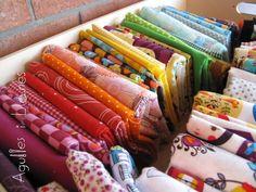 www.agullesillanes.com Cajón con telas estampadas de algodón.