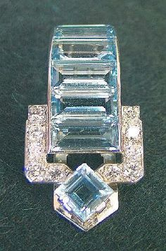 Fine early C20th Art Deco Cartier diamond and Aquamarine clip brooch