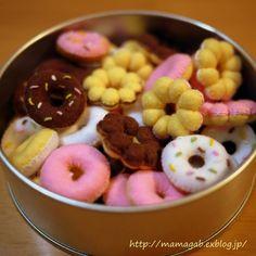 tea party play: felt cookie