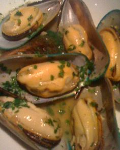 Humongous Prince Edward Island mussels arrived next, having been steamed in Albarino wine with garlic, parsley and shallots ($6.75)....at Ibiza Tapas Wine Bar and Cafe, Hamden, CT: Not to be Missed