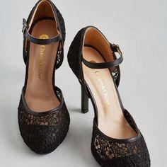 Pretty Shoes, Cute Shoes, Me Too Shoes, Vintage Heels, Retro Vintage, Modcloth Shoes, Shoe Boots, Shoes Heels, Prom Heels