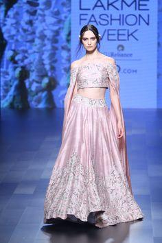 SVA at Lakmé Fashion Week Summer/Resort 2017 Indian Look, Indian Ethnic Wear, Choli Dress, Lengha Choli, Saree, Pakistani Outfits, Indian Outfits, Lakme Fashion Week 2017, Muslim Wedding Dresses