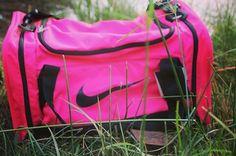 Bolso Nike Deportivo Rosa, 35€.